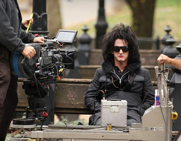 """Sean Penn on the set of """"This Must Be the Place"""". Director: Paolo Sorrentino."""