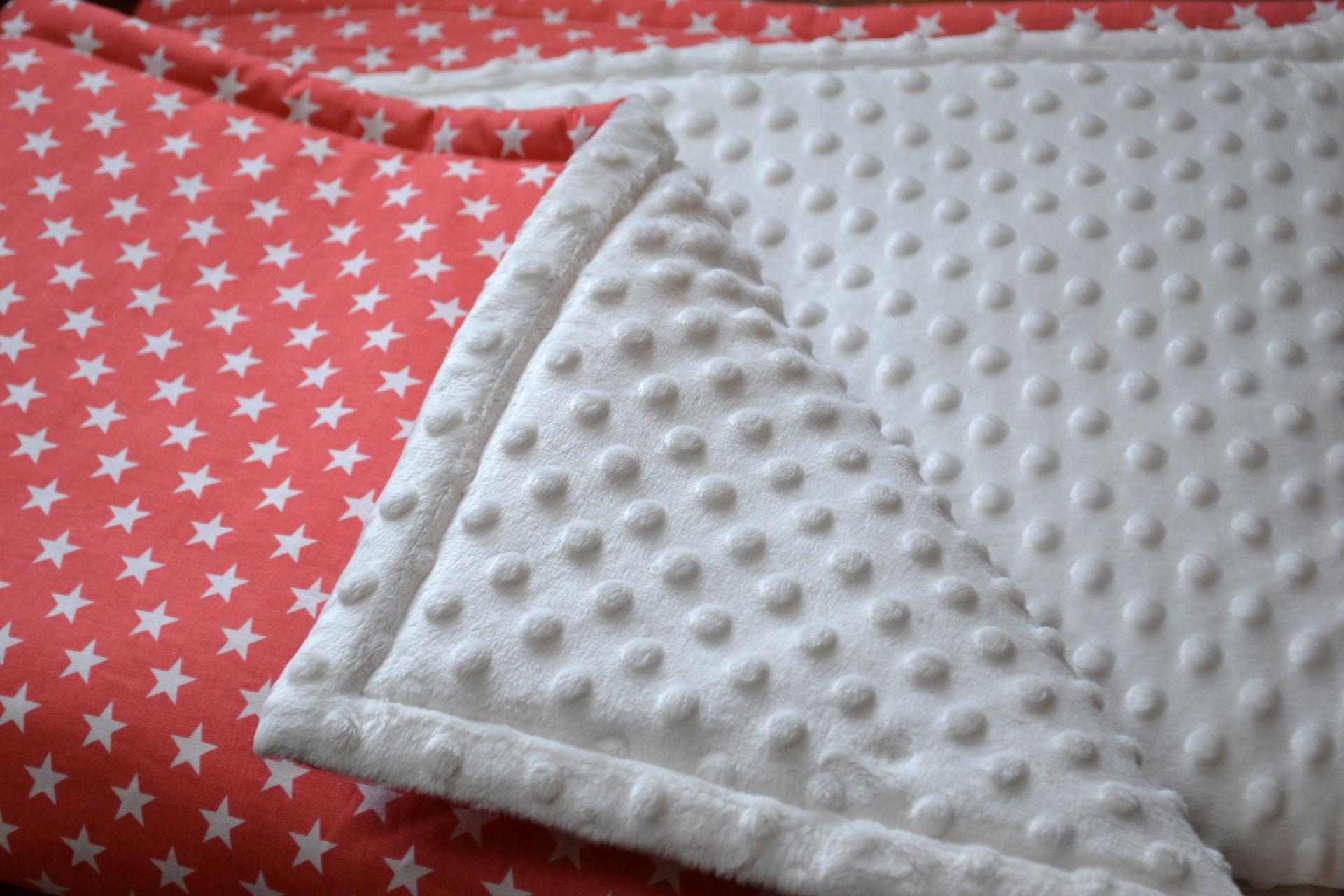 couverture b b coton toile rouge et minky minkee beige doubl couture pinterest. Black Bedroom Furniture Sets. Home Design Ideas