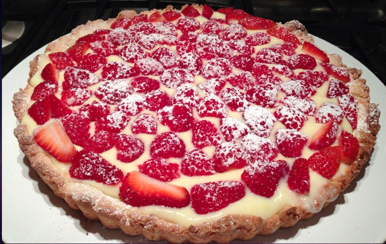 Awsome..yummy..greedy..Italian classical #fruit #crostata to pamper yourself before the cold weather. Manu's way :)