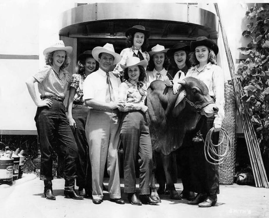 Early 1940s texas high school students at the san antonio