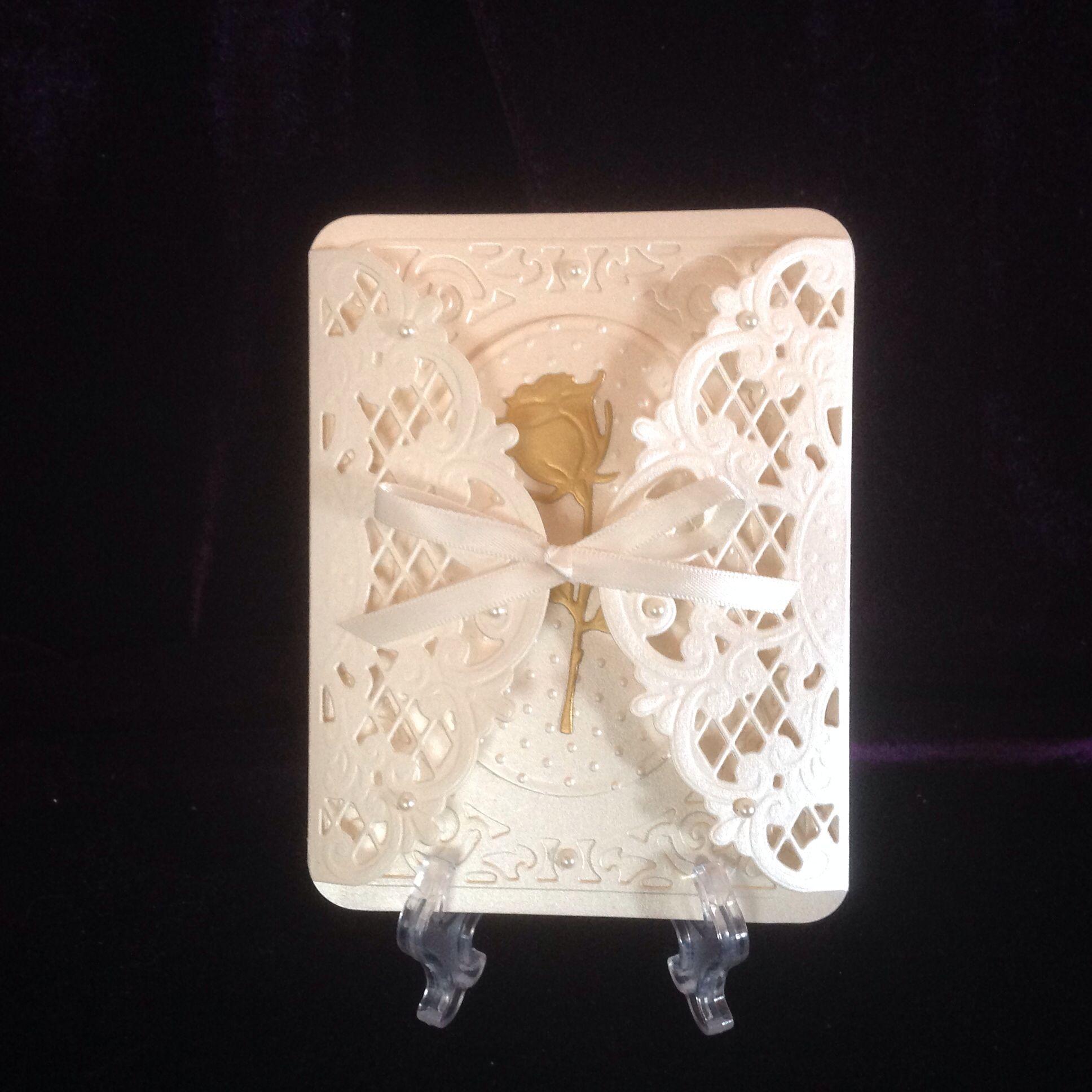 Thinking of you. Marianne die Anja's Design LR0269 , Cuttlebug Swiss Dots embossing folder, Marianne Designs Rose Bud die OR295, Spellbinders Radiant Rectangles.