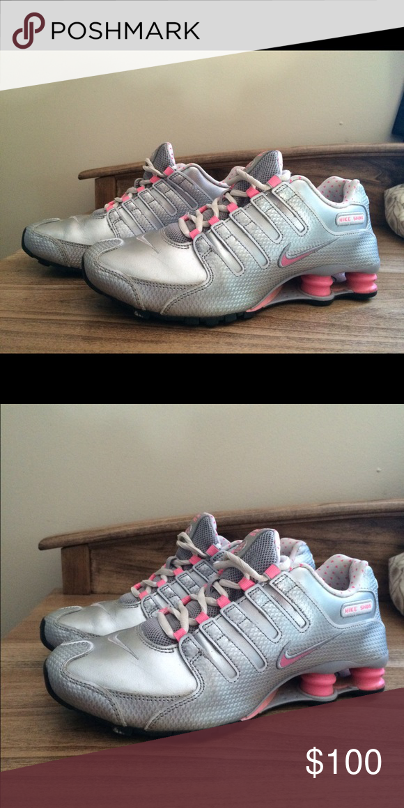 Shop Women's Nike Silver Pink size Athletic Shoes at a discounted price at  Poshmark. Description: Really nice shoes, good color pattern.