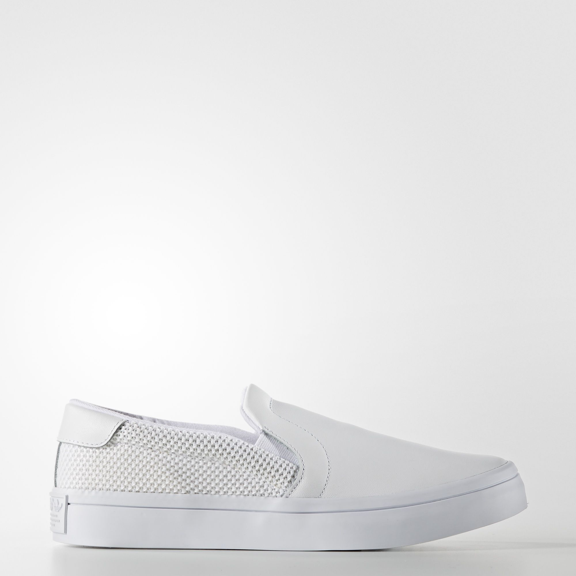 S75166 COURTVANTAGE SLIP O Women's Trainer White *SALE
