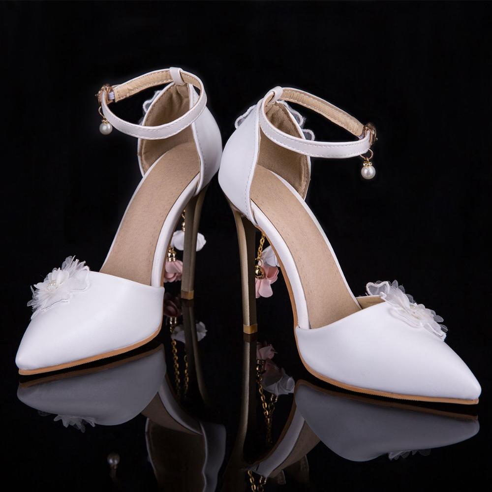 Piekne Biale Buty Slubne 2019 Perla Z Paskiem Aplikacje 9 Cm Szpiczaste Szpilki Slub Wysokie Obcasy Stiletto Heels Pumps Heels Stilettos Elegant Wedding Shoes