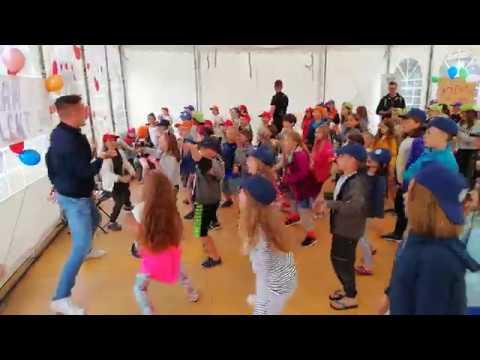 101 Uklad Taneczny Do Piosenki Alvaro Soler Sofia Youtube In 2020 Hudba Predskolaci