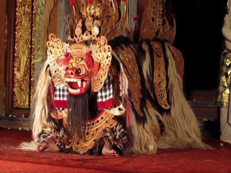 Barong dance, in Bali also well known as Barong and Kris Dance represents an enternal fight between good and evil spirits. Barong ( a mythological animal)representing good spirit and Rangda (mytologic - - YukmariGO.com