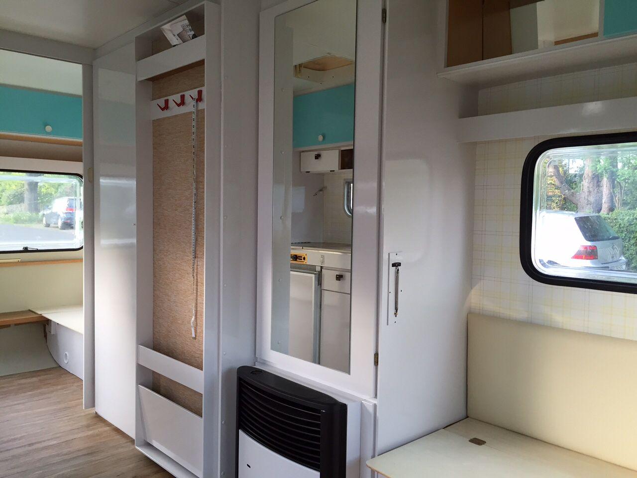 wilma wohnwagen die headboards wurden neu bepolstert schr nke t ren und heizung foliert die. Black Bedroom Furniture Sets. Home Design Ideas