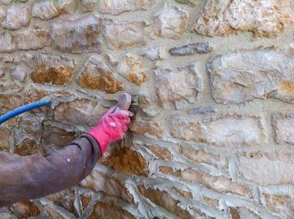 055 - Le rejointoyage pour les nuls Rejointer les murs de pierre