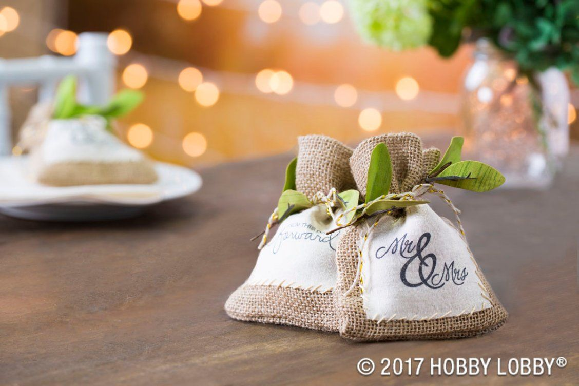 Diy wedding table decorations ideas  Create wedding favors that are cute and easy to DIY  Glamorous