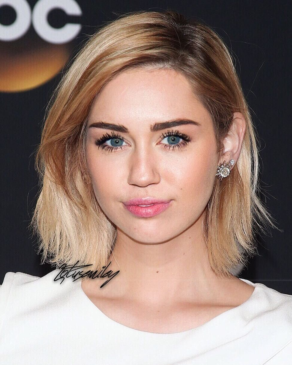 Miley Cyrus Miley Cyrus Fan Club In 2019 Frisuren Frisur