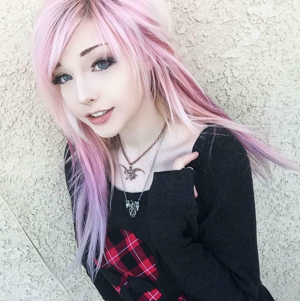 One of the cutest emo girls ever uc emo fashion pinterest emo