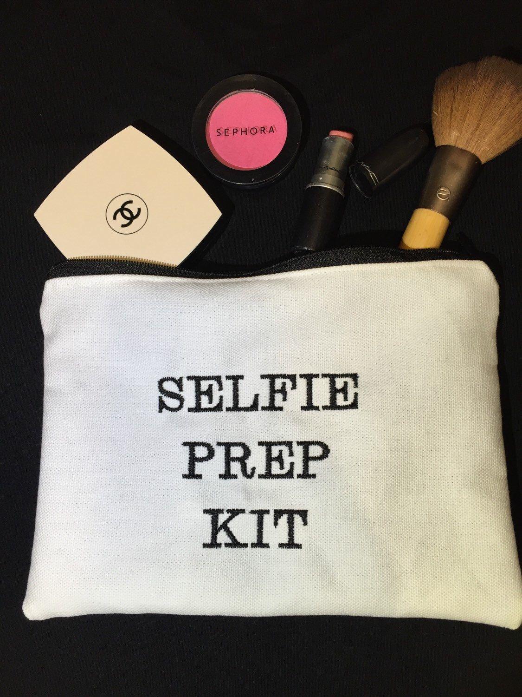 Selfie prep kit makeup bag Diy makeup bag, Diy makeup