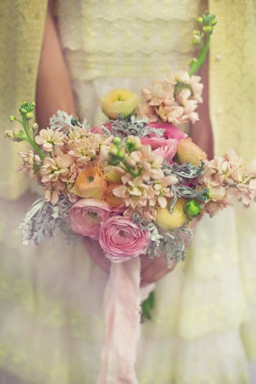 How to save money on your real wedding flowers Most of us love real ...