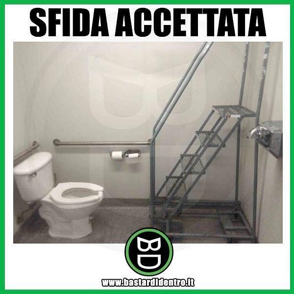 Ragazzi, riuscite a resistere alla tentazione? Seguici su youtube/bastardidentro #bastardidentro #bagno #scala