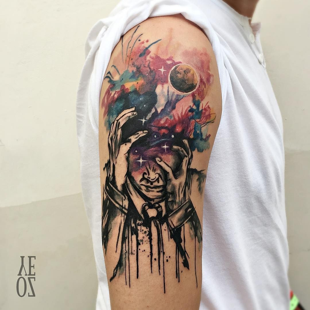 Undoubtedly talented tattoo artist Yeliz Ozcan, based in Istanbul (Turkey) - creates a very interesting and stylish tattoos, combining watercolor technique with sketch graphics. Uses of black contours with watercolor splashes - is one of the most successful methods of saving the readability and contrast of the tattoo, even after many years.