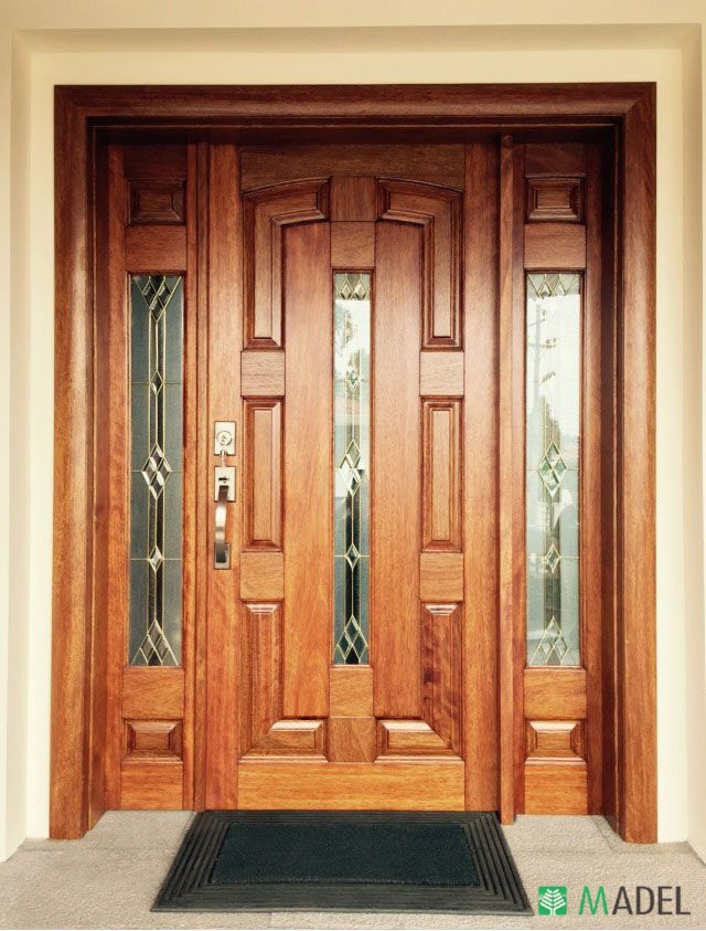 Puerta principal puertas pinterest puertas for Remate de puertas de madera