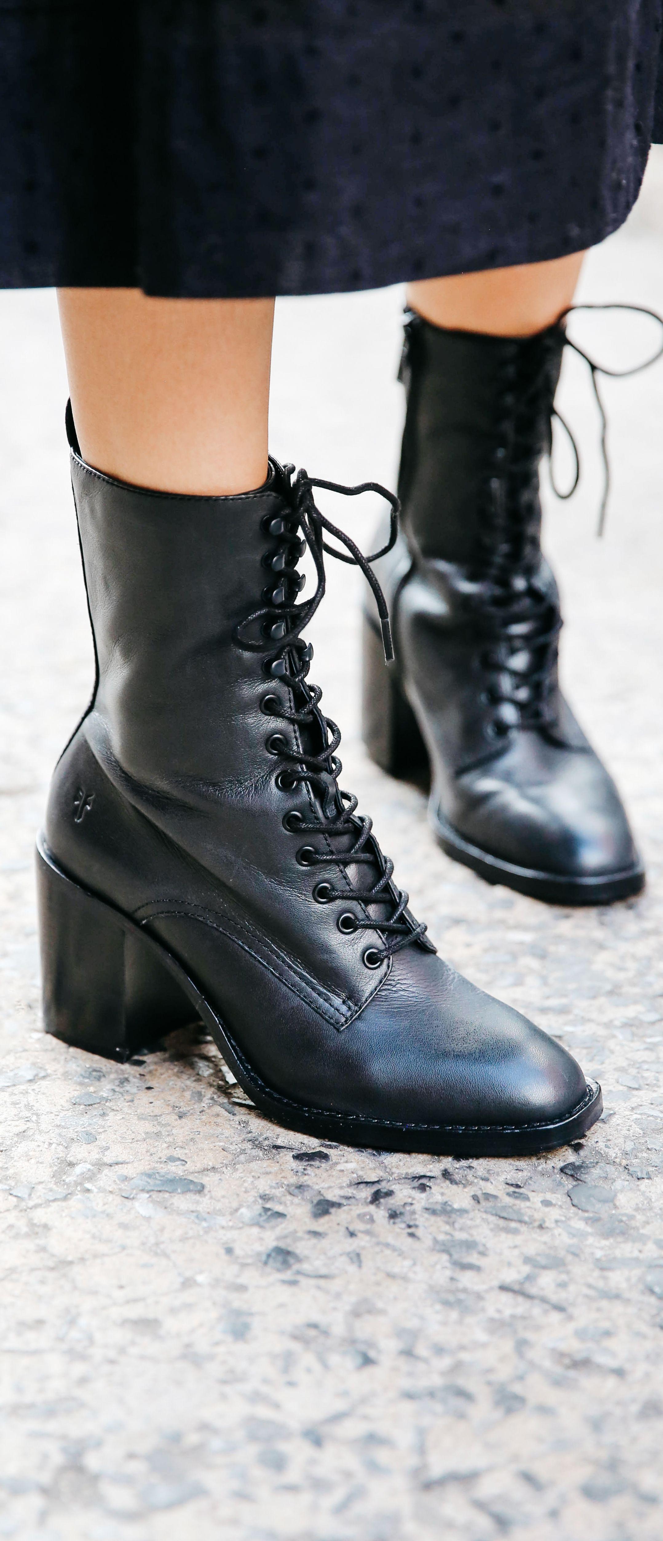 69e03759d153b3 Pia Combat Boots