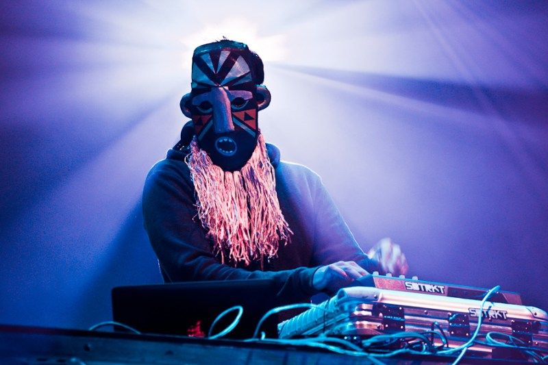 """SBTRKT Shares an Unreleased Remix of Adele's """"Chasing Pavements"""""""