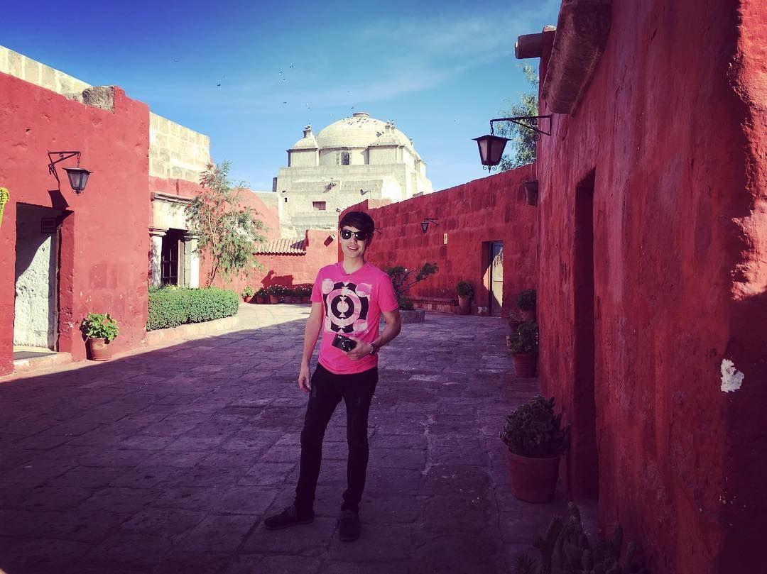 Grabando en el Convento de Santa Catalina by brunopinasco