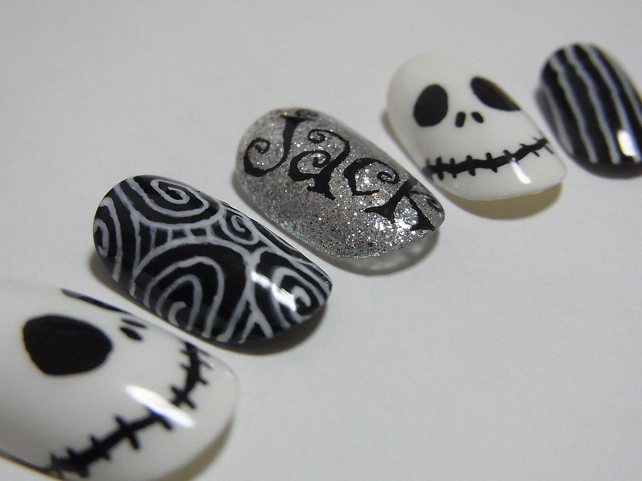 Jack Skellington nail art (The Nightmare Before Christmas) | Makeup ...