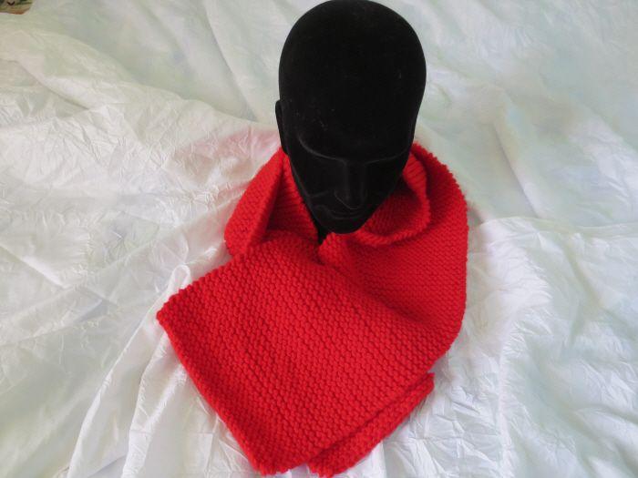Écharpe en grosse laine rouge, fait main longueur 131, largeur 23,5 ... 567ddfc832e