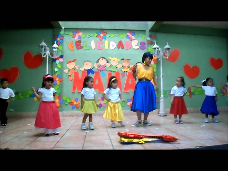 db8a3049747d Niños Bailando con su Maestra | presentaciones de niños ...