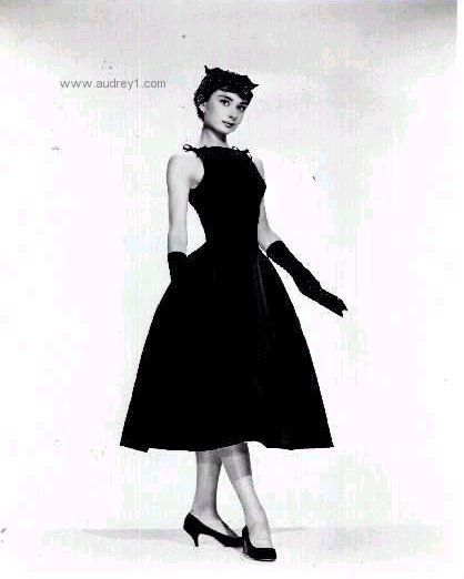 This Outfit Was One Of Three Outfits Audrey Selected For Sabrina From Hubert De Givenchy S Collection While In Paris G Sabrina Dress Dresses Vintage Outfits