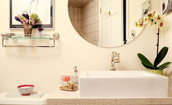 A Modern Powder Room Transformation You Won't Believe #modernpowderrooms