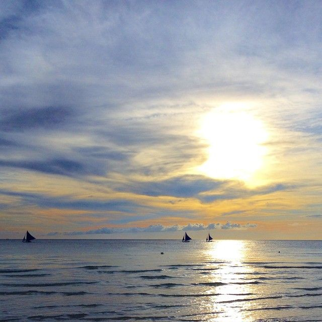 """Boracay must be the place where they coined the term """"sky blue."""" Photo courtesy of americangirlintransit on Instagram."""