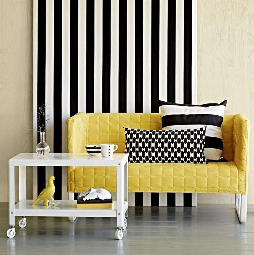 Se state riflettendo su come attualizzare la tappezzeria del vostro sofà, nello scegliere i tessuti per divani, non dimenticate che le tinte unite sono in. Tessuti Per Divani Divano Giallo Colorful Bedroom Decor Flat Interior Design Furniture