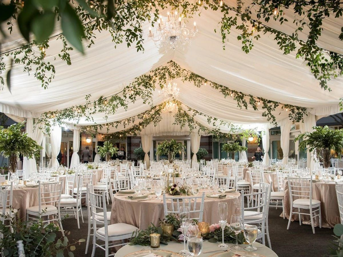Elegant Seattle Waterfront Wedding in 2020 Seattle