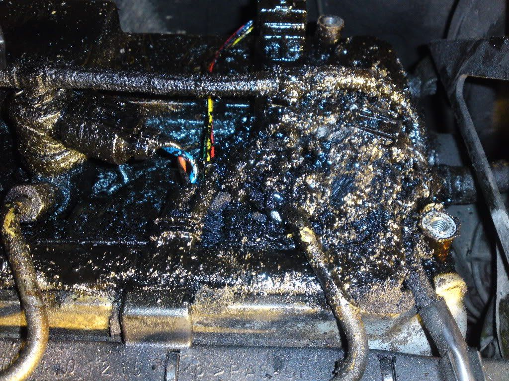a really bad example of leaking injectors