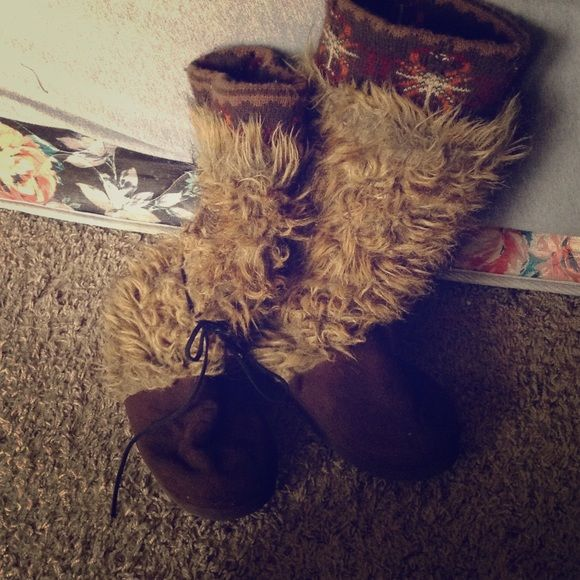 """Custom made """"yeti"""" boots. Size 8 Custom made, as I like to call, yetti boots. Shoes Slippers"""