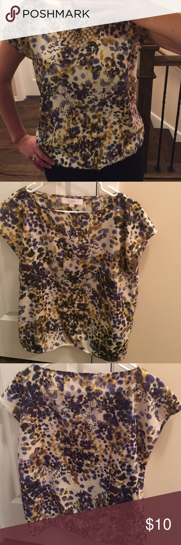 🎀Silky Loft Blouse🎀 Size small from the Loft.  Looks great with dark jeans and can also wear to work with a blazer. LOFT Tops Blouses