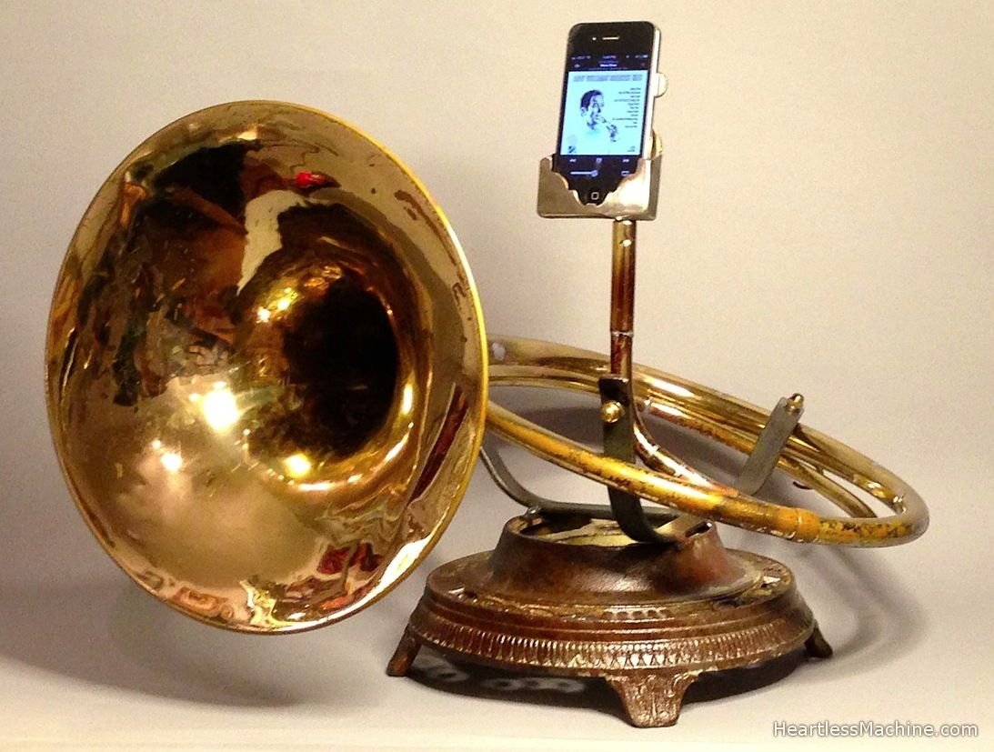 There's no app for that (yet) Brass Phonographer for iPhones: Christopher Locke's Heartless Machine - Analog Tele-Phonographer http://heartlessmachine.com/section/220780_Analog_Tele_Phonographer.html