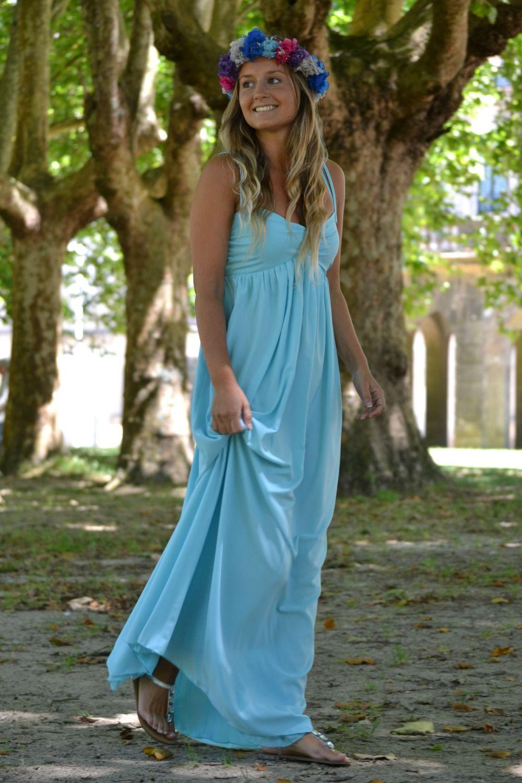 Iria con vestido largo y nuestra corona de hortensias. gloriavelazquez.com