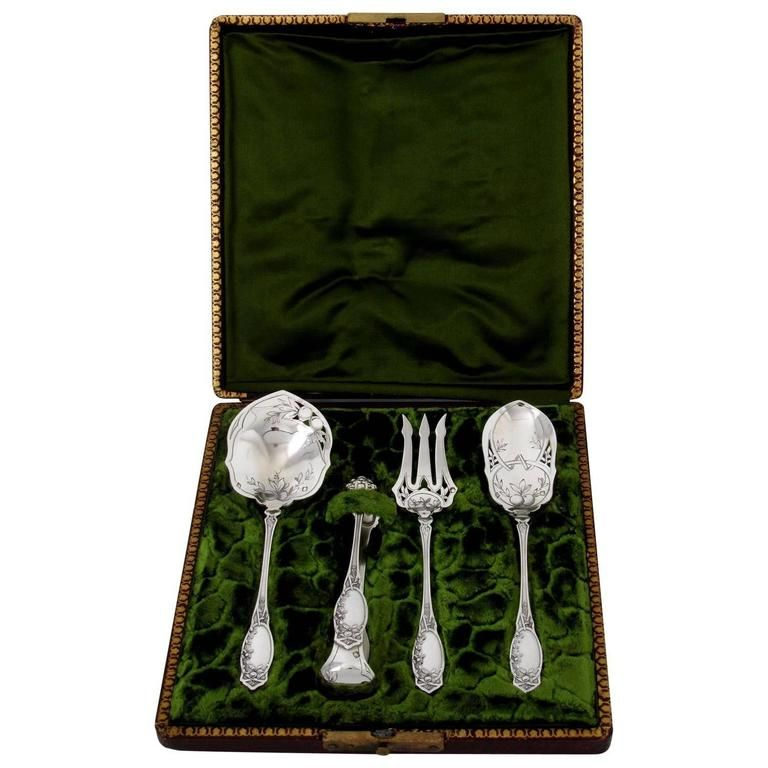Coignet French All Sterling Silver Dessert Hors D'oeuvre Set Box Apples | From a unique collection of antique and modern serving pieces at https://www.1stdibs.com/furniture/dining-entertaining/serving-pieces/