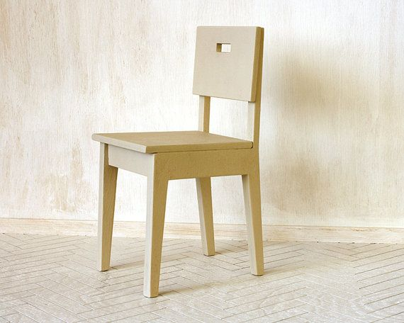 miniature chair for 16 scale dolls #furniturefordolls #minifurniture #barbiefurniture #dollfurniture #playscale #dolls #dollhouse
