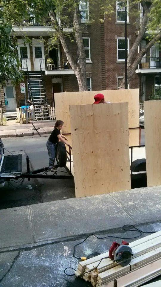 Il vit dans une mini-maison dans les rues de Montréal - Budget Pour Construire Une Maison