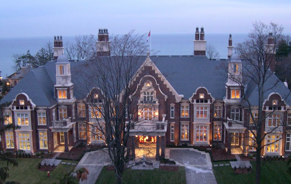 Chelster Hall Oakville One Of The Biggest Homes In Canada Not Gonna Lie It Looks Pretty Boasty To Me Mansions Classic House Design House Exterior