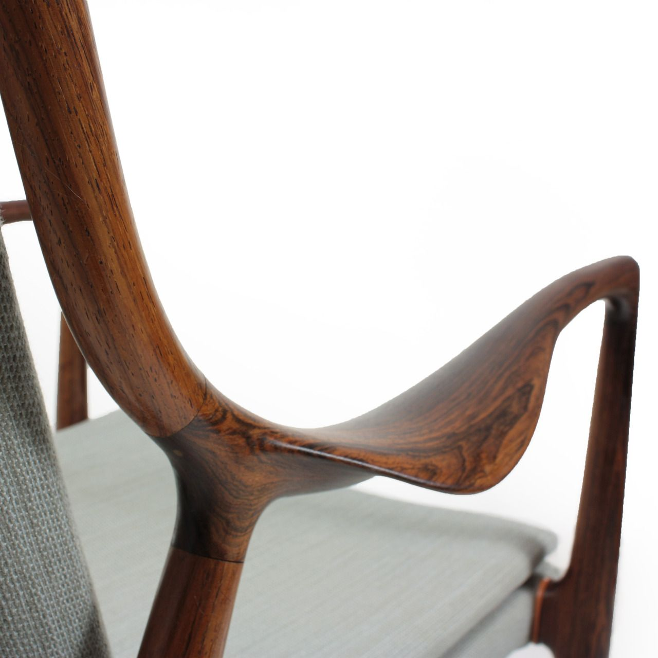 Detail Of Beautiful Joinery On Mid Century Modern Lounge Chair Designed By Danish Furniture Design Modern Lounge Chair Design Mid Century Modern Lounge Chairs