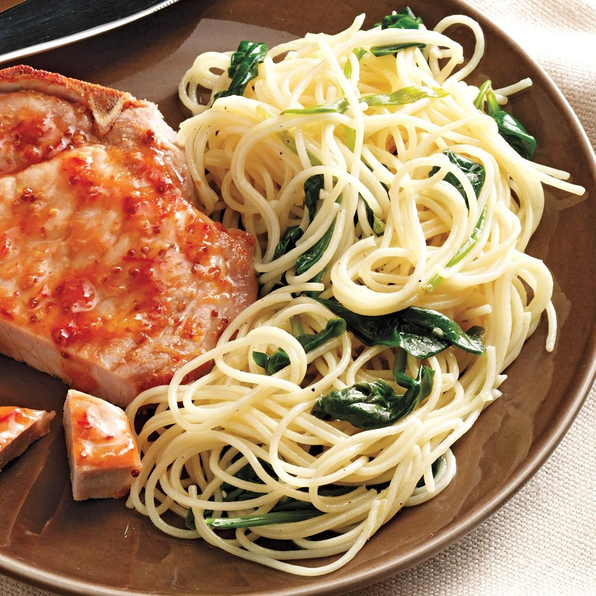 Chicken Dishes Under 200 Calories: Lemon Pasta With Spinach