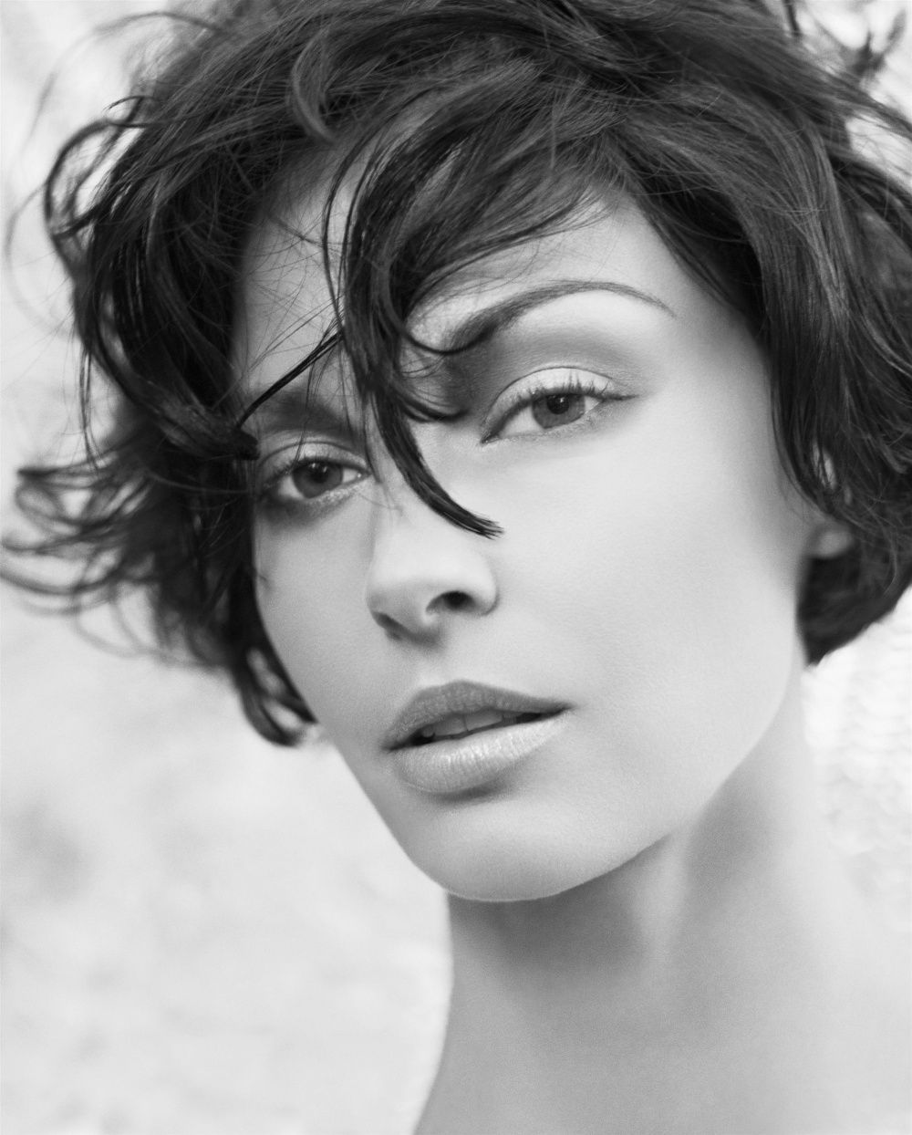 Gorgeous Black & White portrait.