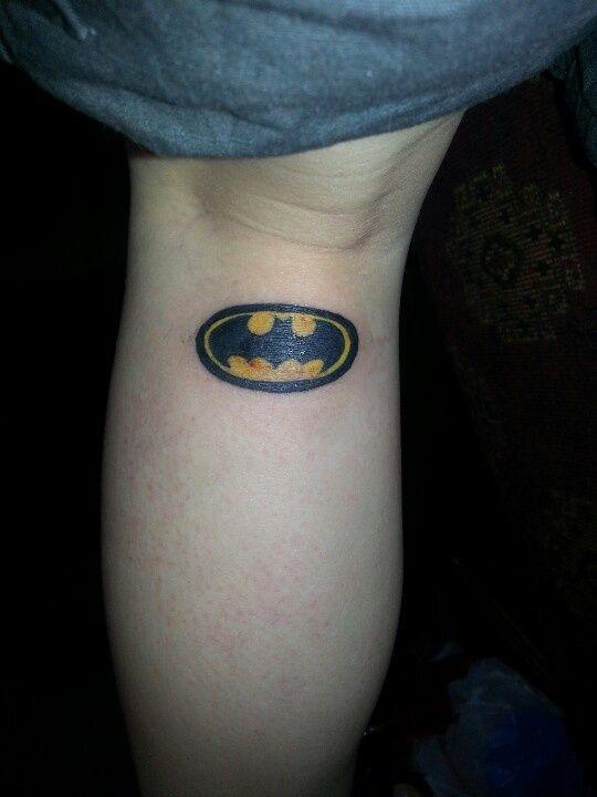 Pin By Tattoomaze On Batman Symbol Tattoos For Girls Pinterest