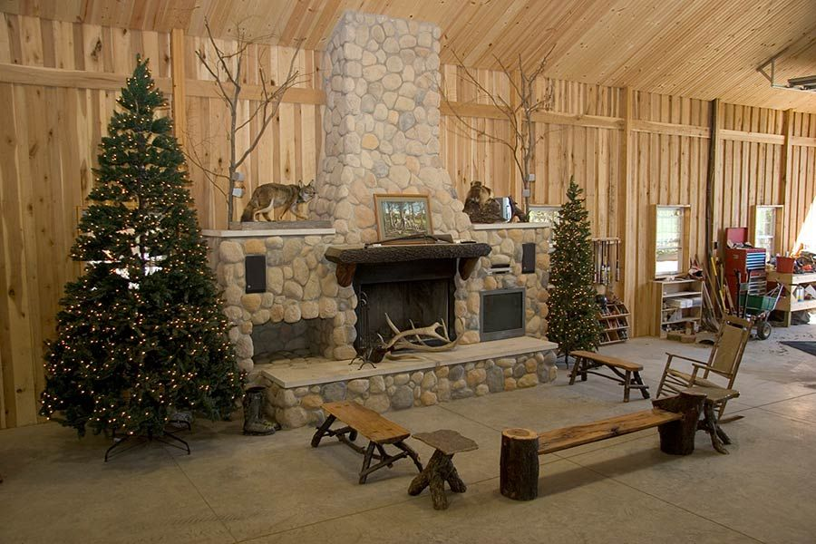 Pole barn house interior pictures gambrel roof pole barn for Barn house indiana