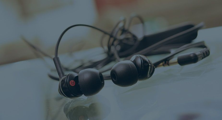 Top 5 Best Earbuds Under 50 For 2020 The Sound Freaks Best Earbuds Earbuds Best Cheap Earbuds