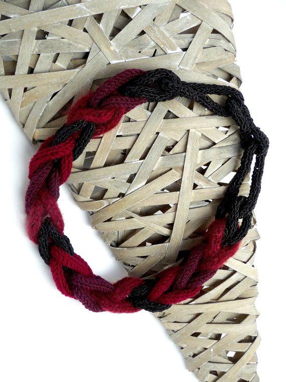 Necklace sling statement trend textile handmade knit Alpaca Burgundy Silk-Cotton Merino pur Wine Red Bordeaux black jewelry scarf knit