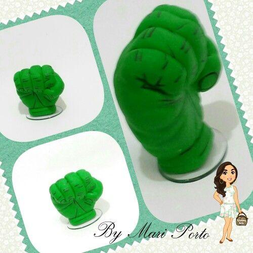 Topo de bolo mão do hulk