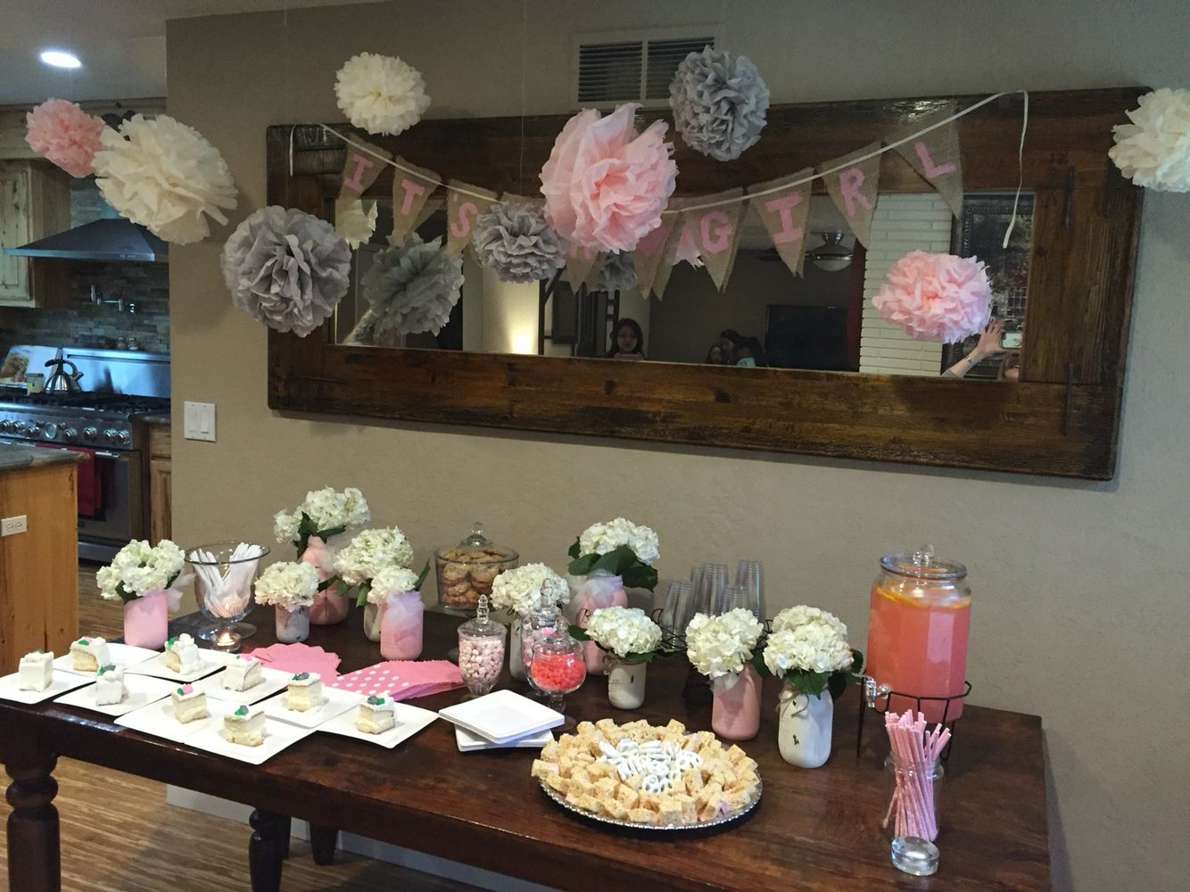 Baby shower decoration for baby girl!