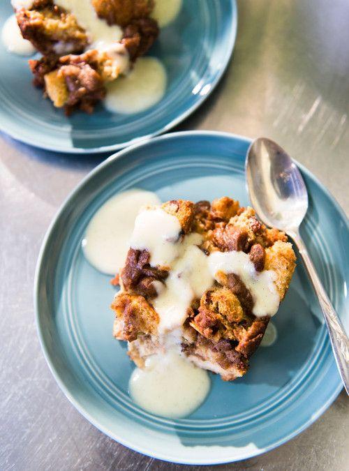 Pouding au pain marbré au beurre  de dattes et d'amandes Recettes | Ricardo